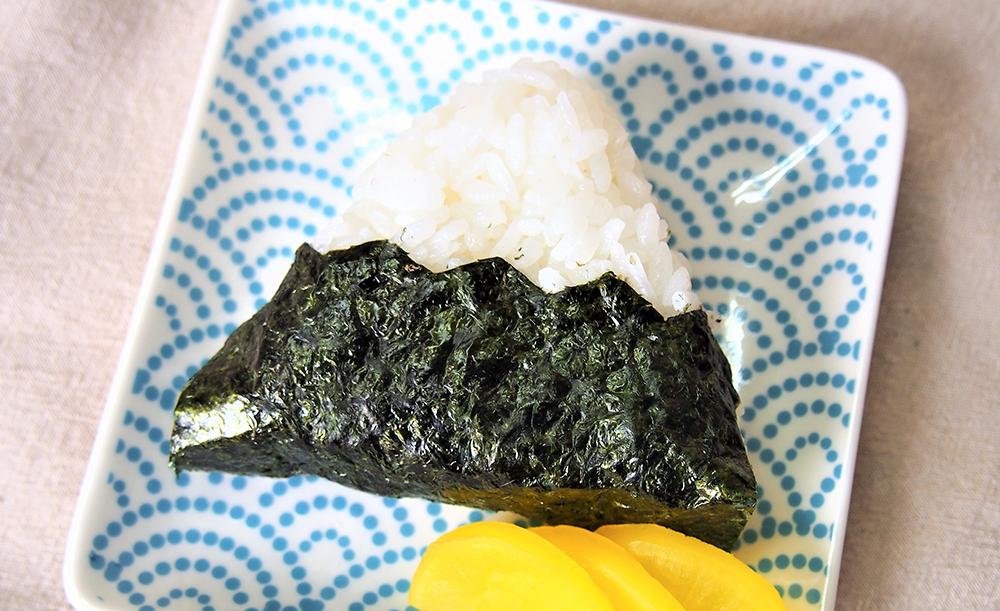 富士山おむすびのりを使用したおにぎり
